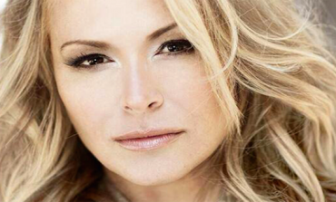 Listen: Anastacia – Stupid Little Things