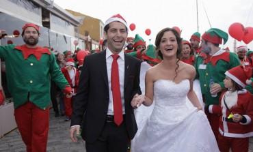 Χανιά | Άφησαν το γάμο και πήγαν… για σκουφάκια! Photos από τη νύφη του Santa Run !