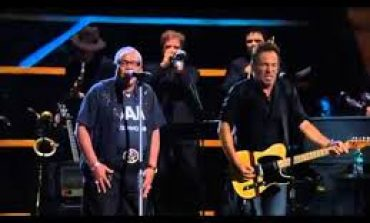 Video: Bruce Springsteen w. Sam Moore - Hold On... / Soul Man