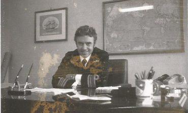 Ως  Υποδιευθυντής της Υδρογραφικής Υπηρεσίας του Π. Ναυτικού, όταν εκδηλώθηκε το Κίνημα του Ναυτικού στο οποίο ήμουν μυημένος.